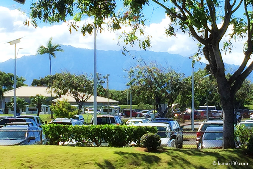 ハワイ州カウアイ島リフエ空港から見えるワイアレア山