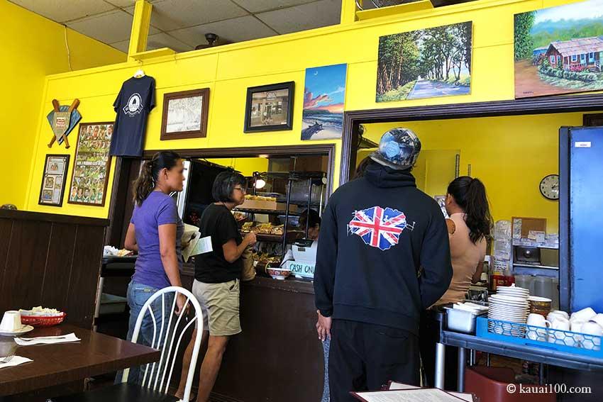 カウアイ島 Waipouli Deli and Restaurantの店内