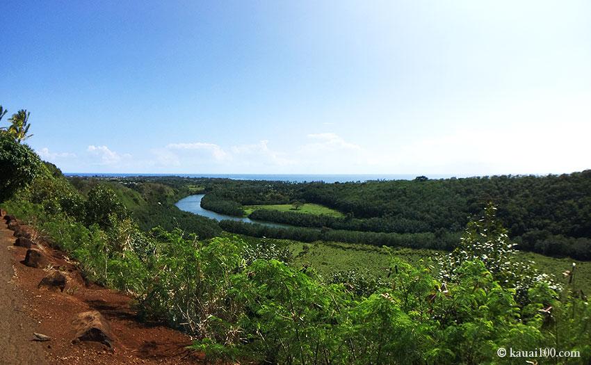 ハワイ州カウアイ島のワイルア州立公園からの眺望