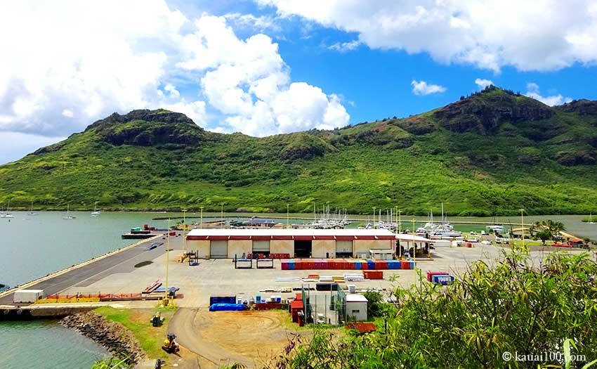ナウィリウィリ港の倉庫群