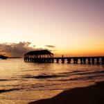 ハワイ州カウアイ島ハナレイ湾のサンセット