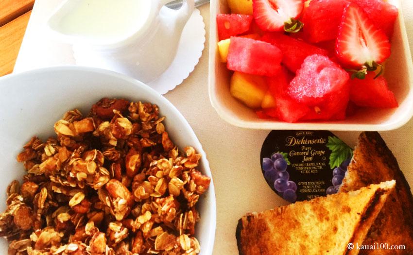 カウアイ島ラバラバラビーチの朝食